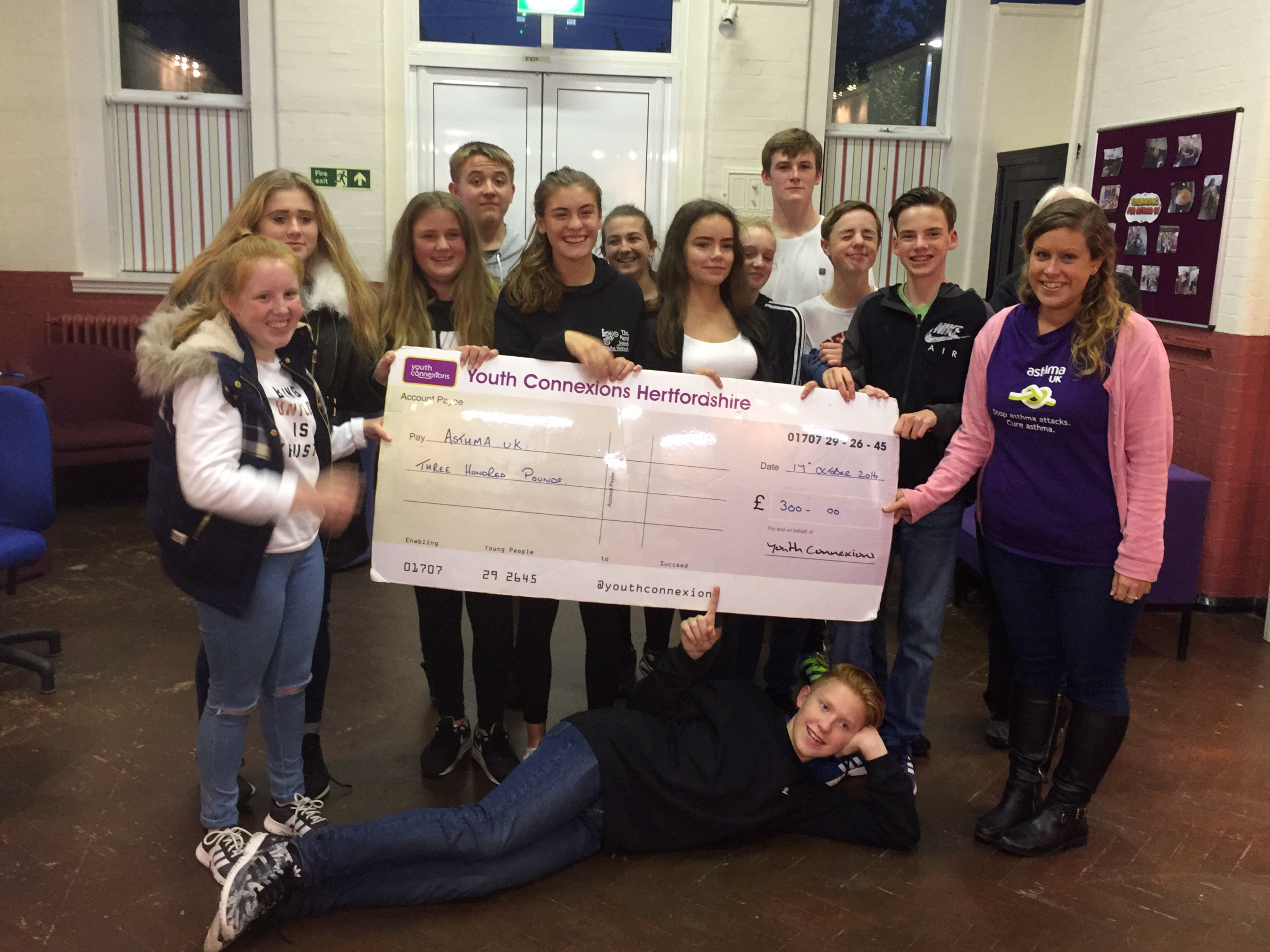 Young people raise £300 for Asthma UK