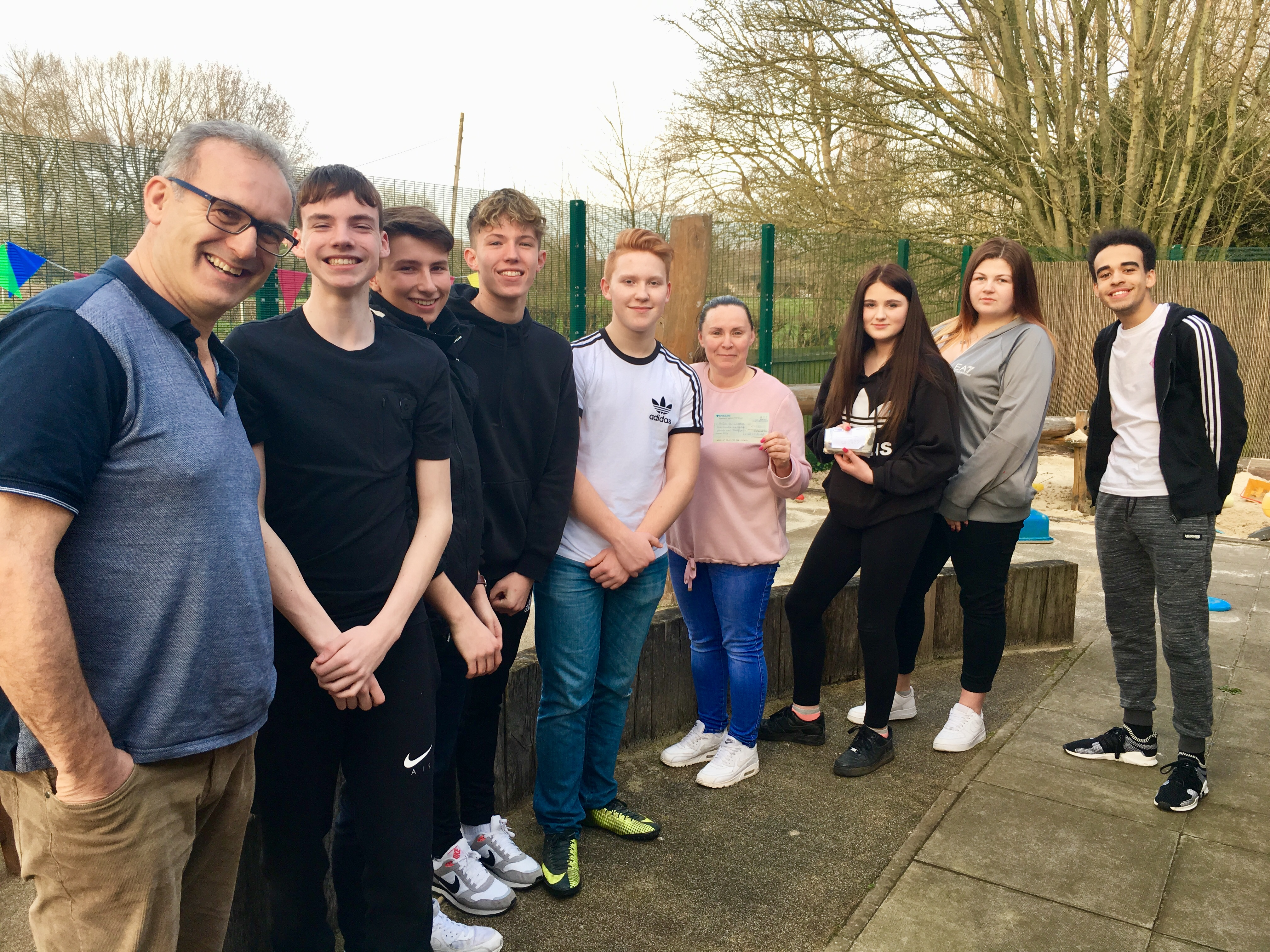 West Hyde Youth Council raises nearly £1,000 for charity